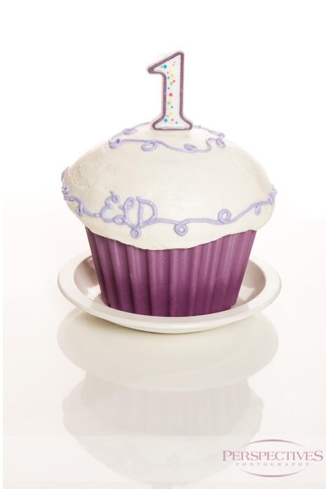 Ellinor turns one - Cake Smash